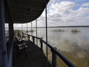 PS Federal Retreat Paddle Steamer Goolwa - Australia Accommodation