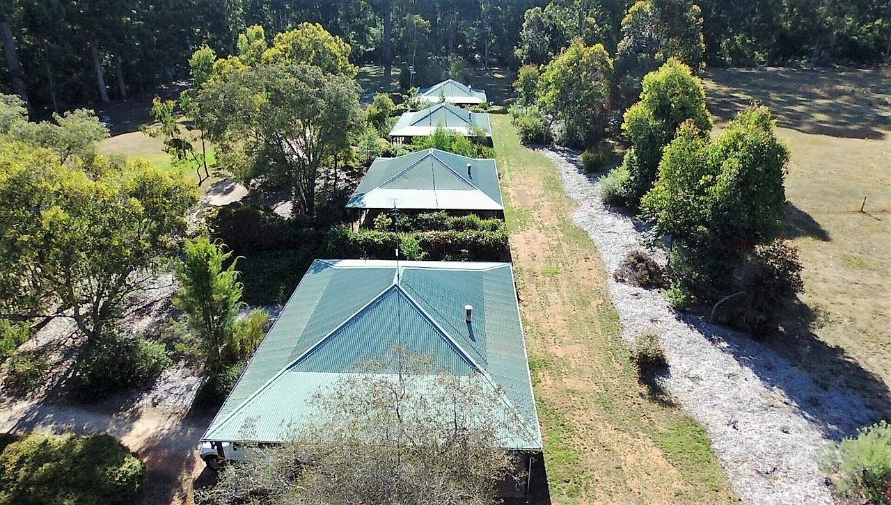 Treenbrook Cottages - Australia Accommodation